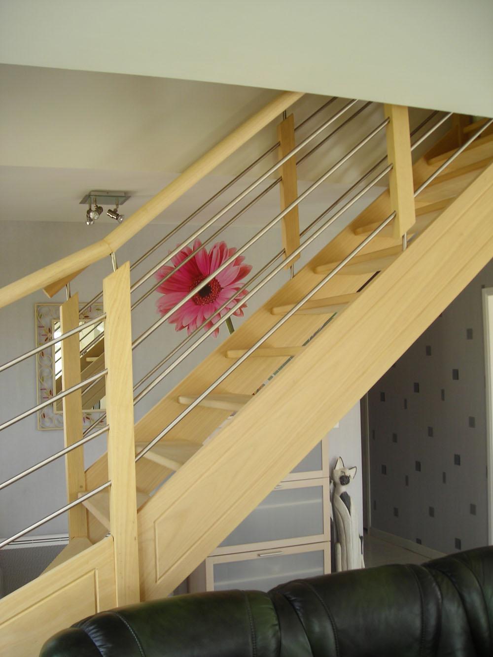 Escalier bois rampe bois inox - Escalier sans rampe ...