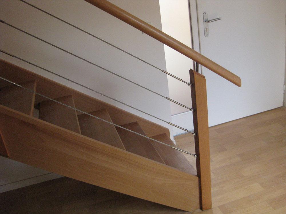 escalier bois rampe bois cable. Black Bedroom Furniture Sets. Home Design Ideas